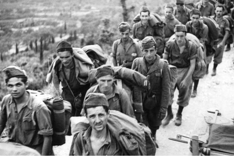 Zajatí italští vojáci na Korfu