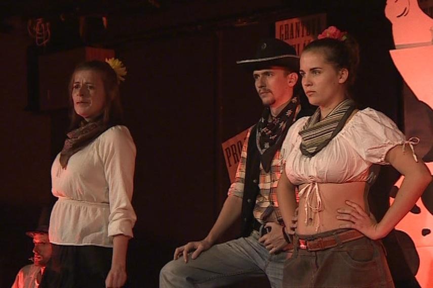 Téma divadelníci pojali jako western