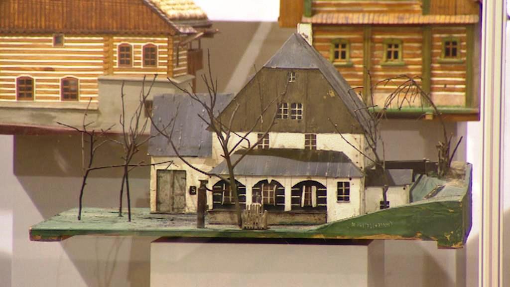 Výstava roubenek v turnovském muzeu