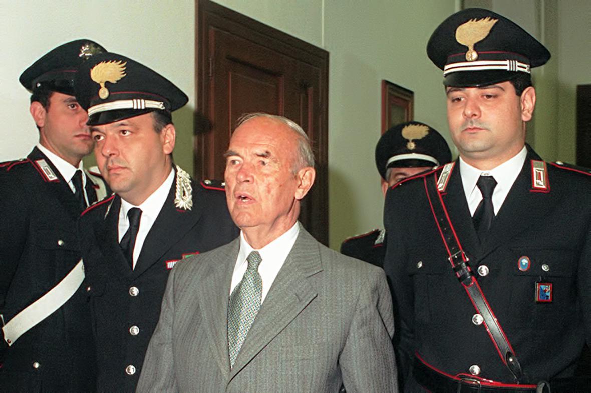 Erich Priebke u soudu v Římě