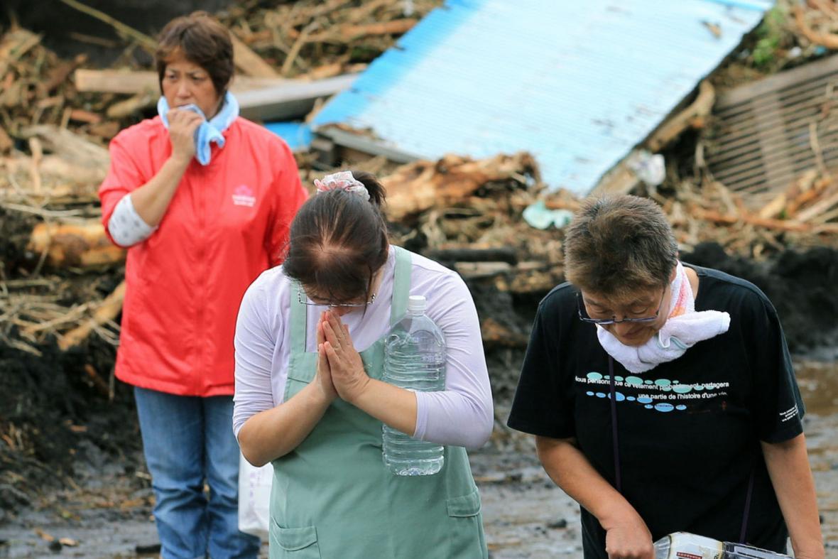 Japonci, kteří přežili tajfun Wipha