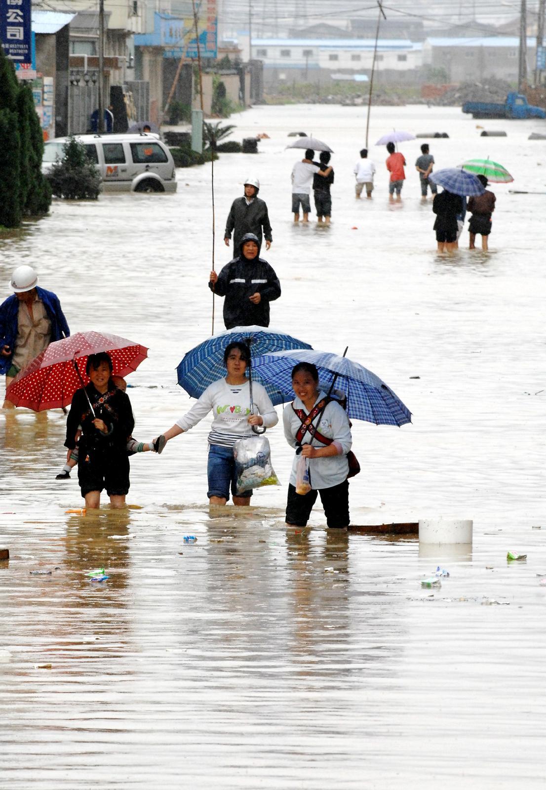 Tajfun Wipha způsobil povodně