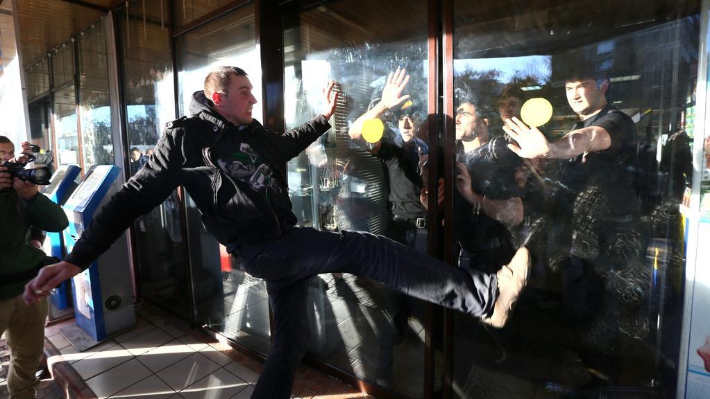 Nedělní etnické nepokoje v Moskvě