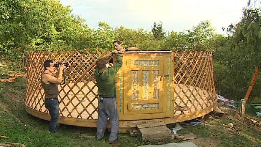 Stavění jurty