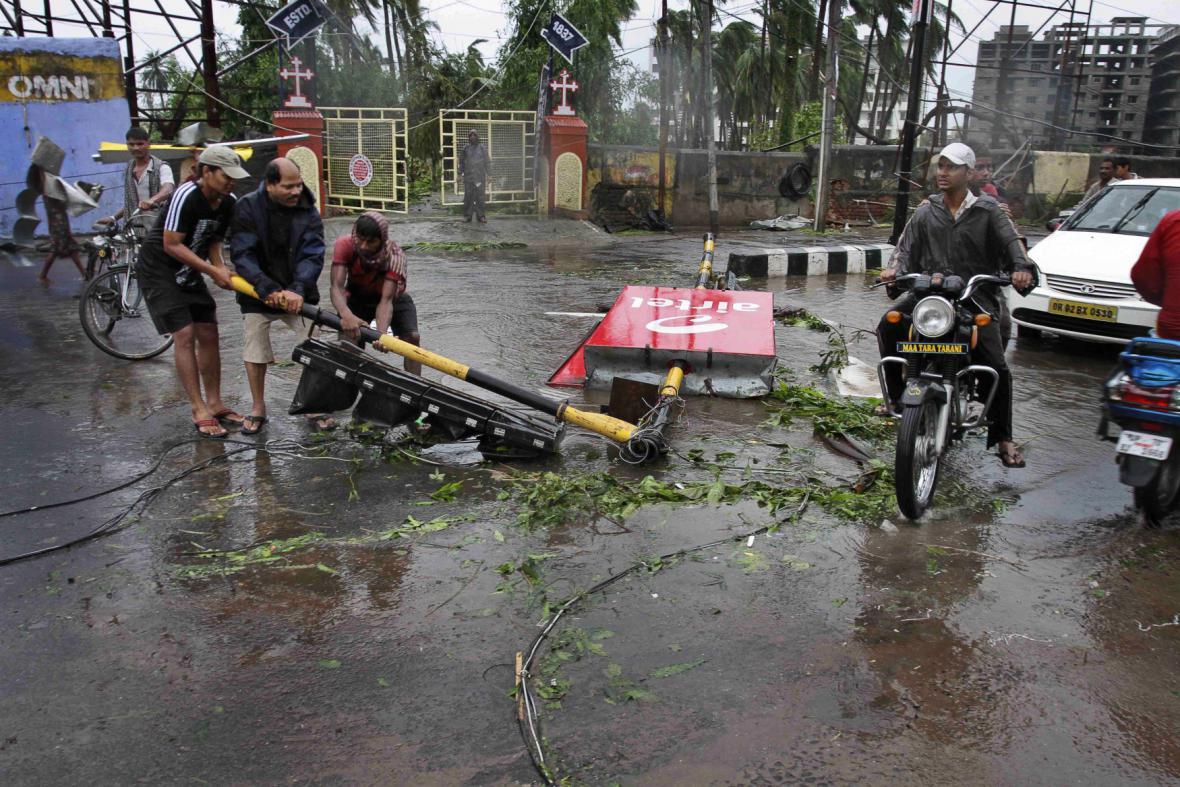 Indii zasáhl ničívý cyklon