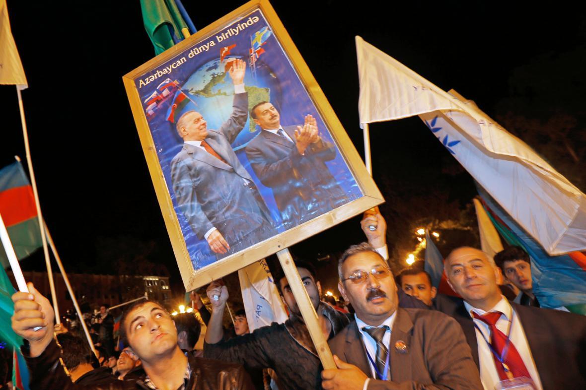 Alijevovi příznivci slaví volební vítězství