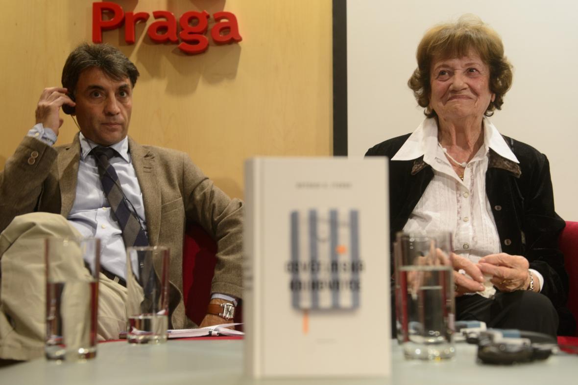 Antonio G. Iturbe a Dita Krausová
