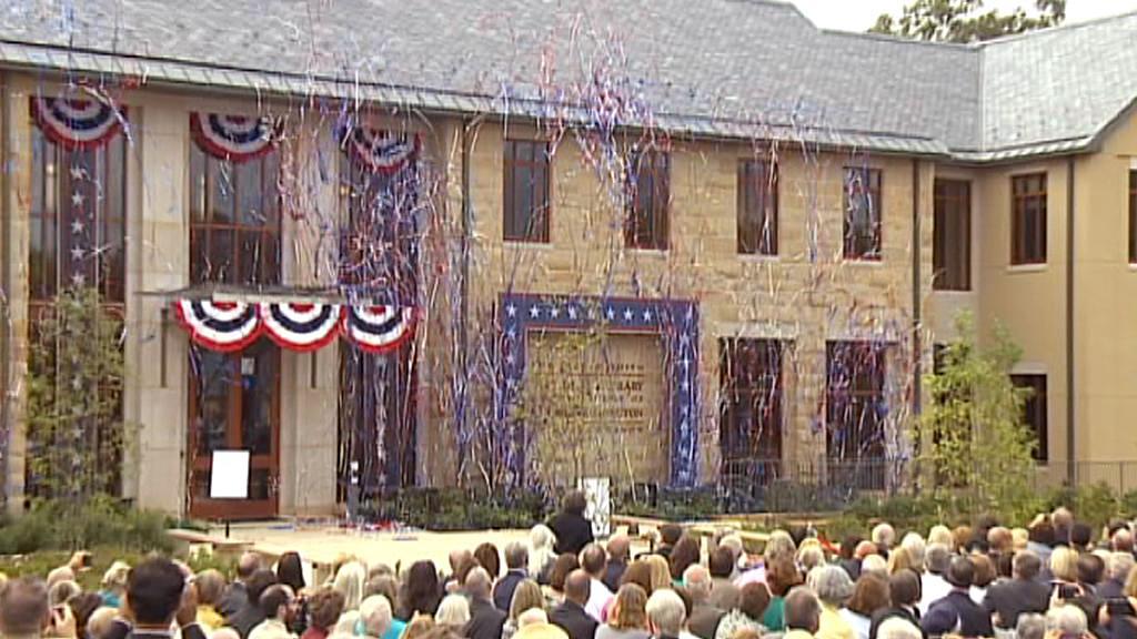 Slavnostní otevření Knihovny George Washingtona