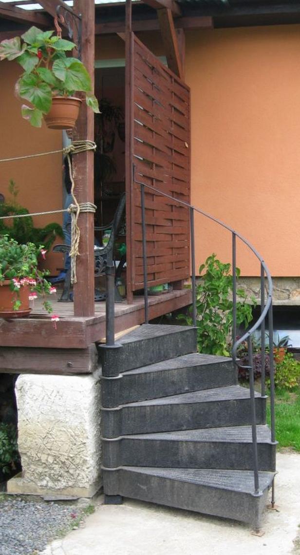 Adoptované schody z rozhledny už mají nové využití