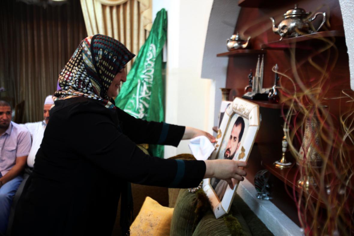 Palestinská rodina se připravuje na návrat svého příbuzného z izraelského vězení