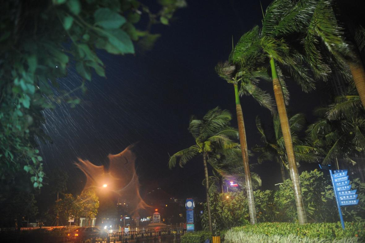 Tajfun Usagi zasáhl jihovýchodní Čínu