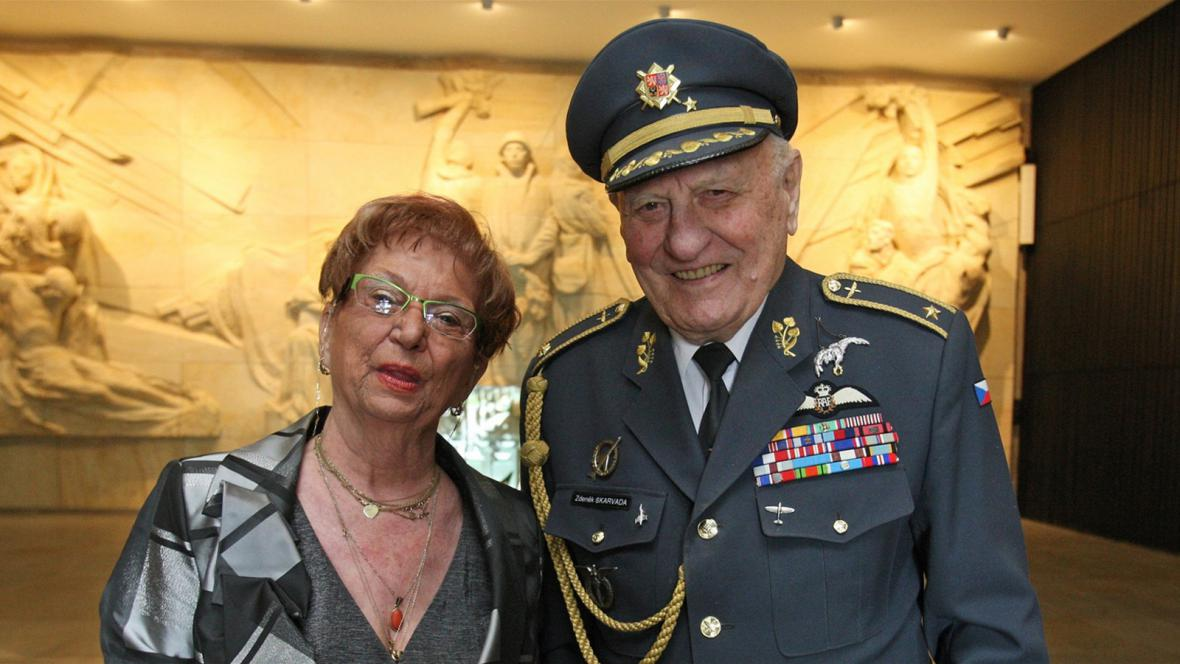 Brigádní generál Zdeněk Škarvada s manželkou Ivanou