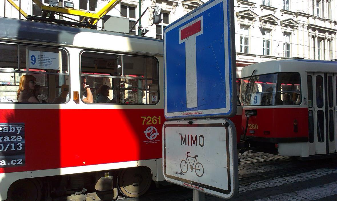 Smetanovo nábřeží bez aut