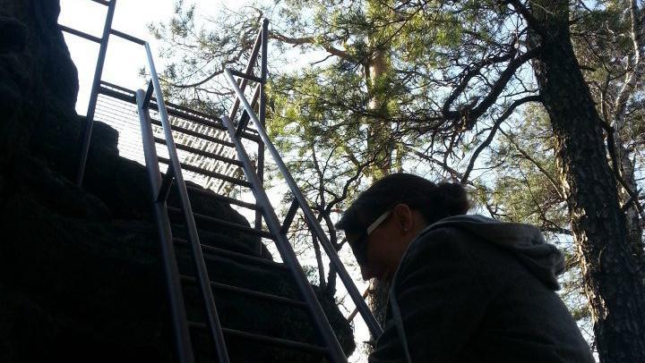 Výstup na vyhlídku na Malé Pravčické bráně
