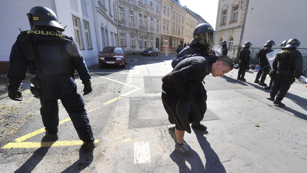 Policie zasahuje při ostravském shromáždění