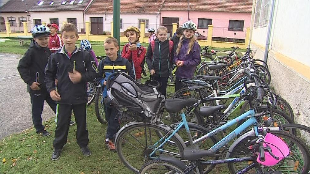 Mladí cyklisté