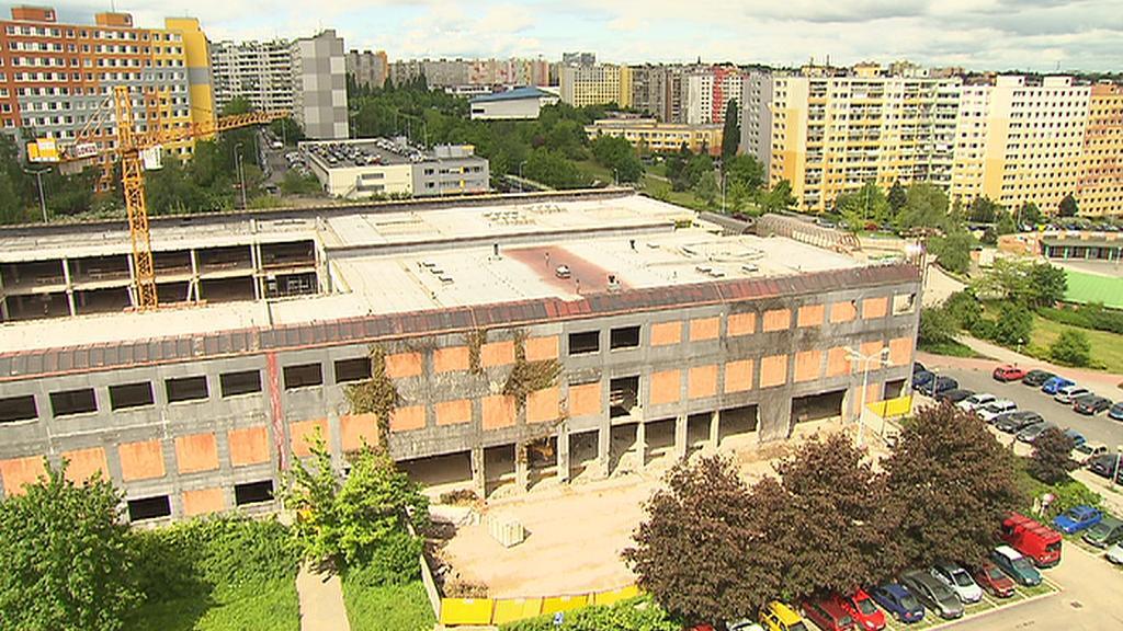 Obchodní centrum Lužiny