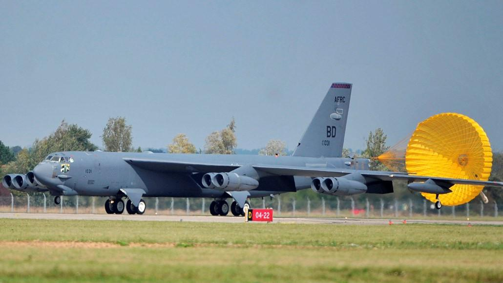 Bombardér B-52