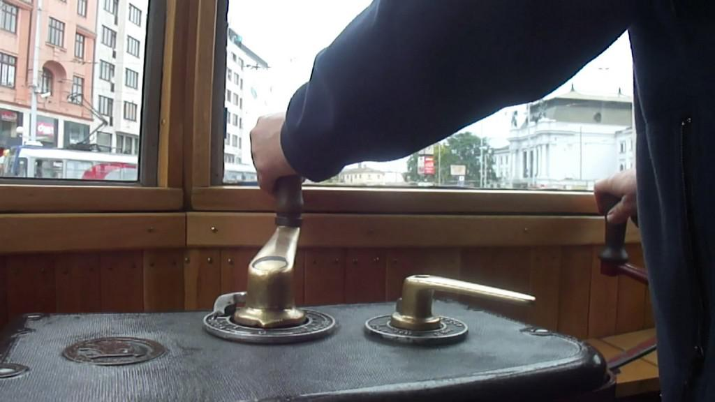 Ovládací pult historické tramvaje