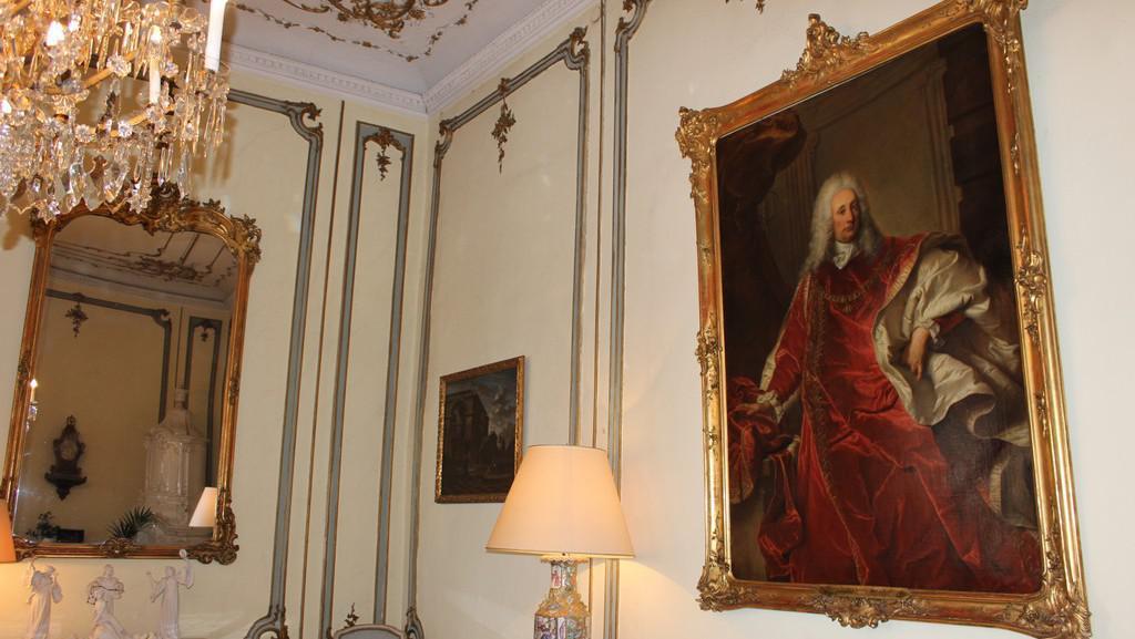 Buquoyský palác - Velvyslanectví Francie v Praze