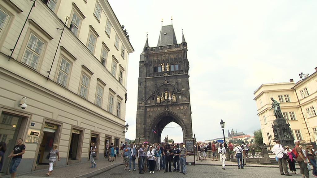 Staroměstská mostecká věž