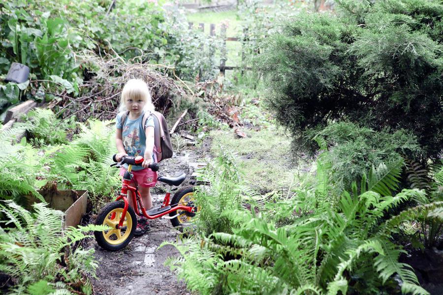 Dítě na zahrádce na Libeňském ostrově