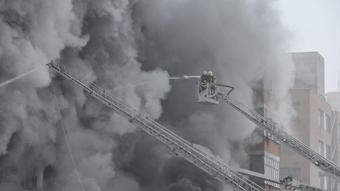 Požár skladu v areálu bývalého Svitu