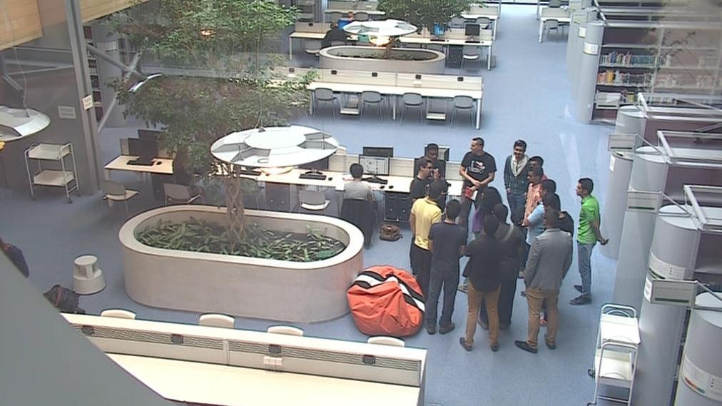 Setkání zahraničních studentů v kampusu
