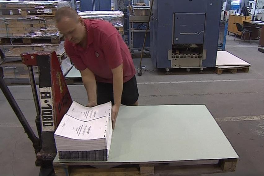 Tiskaři odhadují, že na letošní volby spotřebují až 500 tun papíru