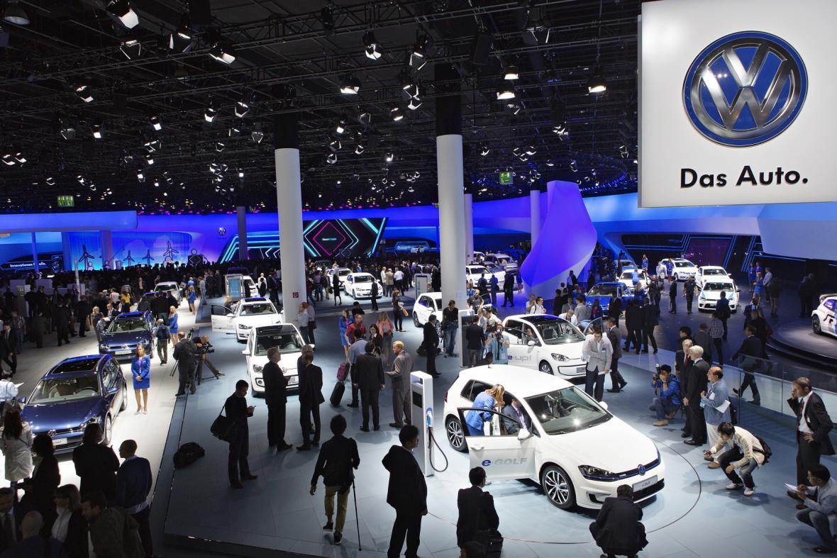 Expozice automobilky VW na autosalonu ve Frankfurtu (2013)