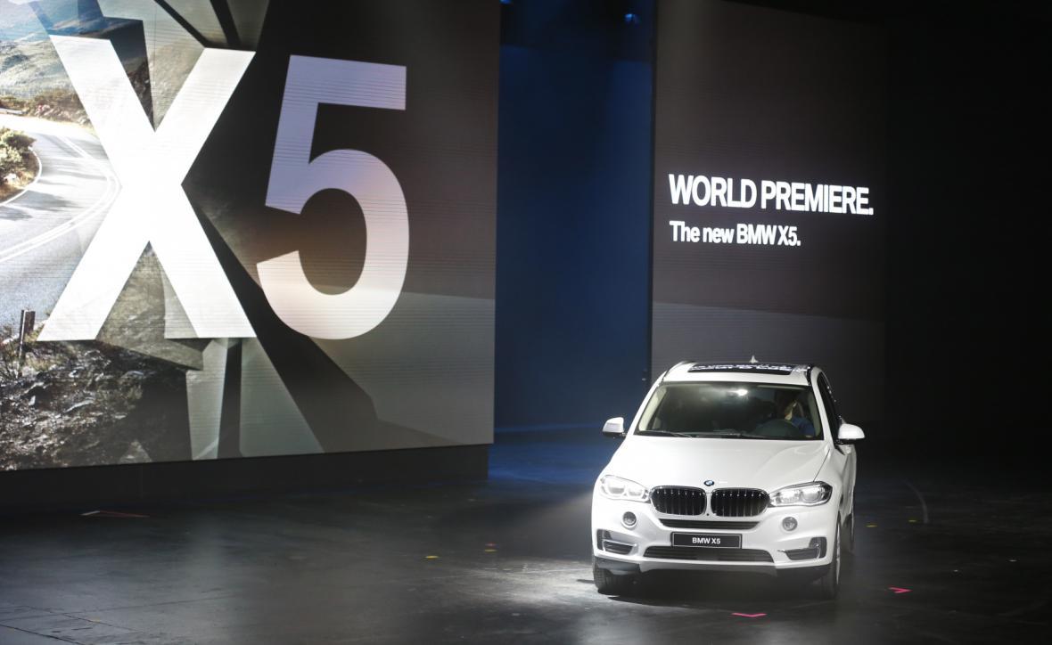 Světovou premiéru má na autosalonu ve Frankfurtu i BMW X5 (2013)