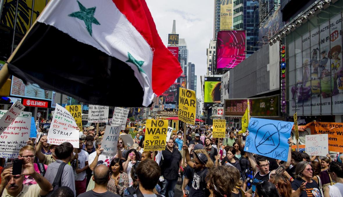Americký protest proti intervenci v Sýrii