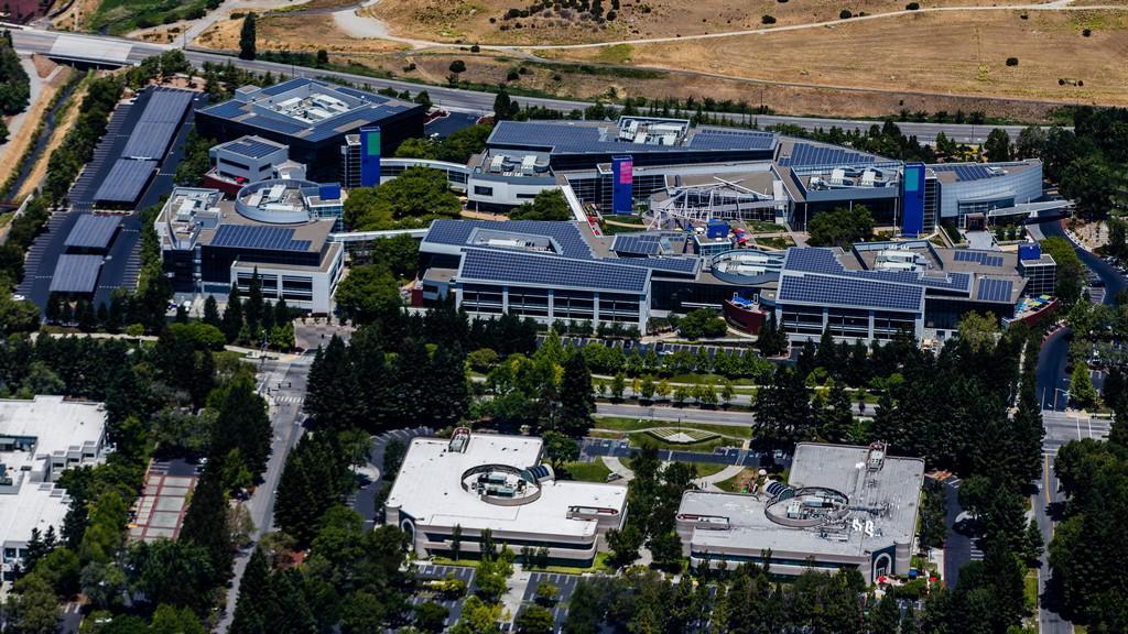 Sídlo Googlu - tzv. Googleplex v Silicon Valley v Kalifornii