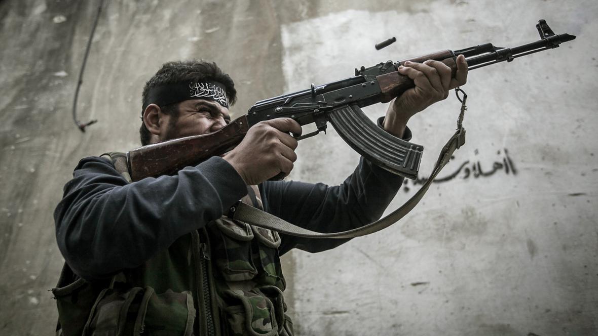Bojovník opoziční Syrské svobodné armády