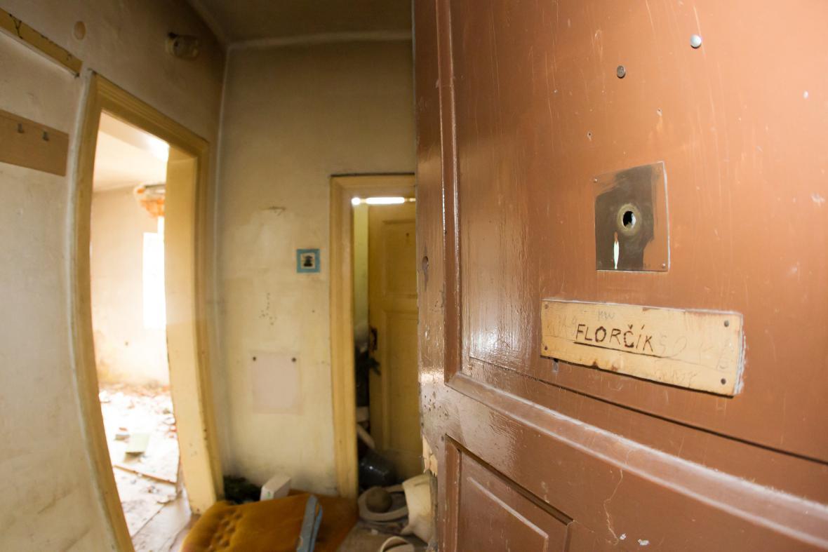 Poslední rodina, manželé Kratochvílovi, se odstěhovala z ostravského ghetta Přednádraží