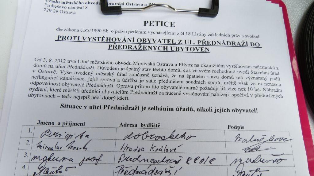 Petice proti stěhování lidí z Přednádraží