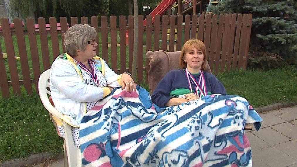 Za svoji lenost sbírají místní medaile. Paradoxně vyhrává třetí