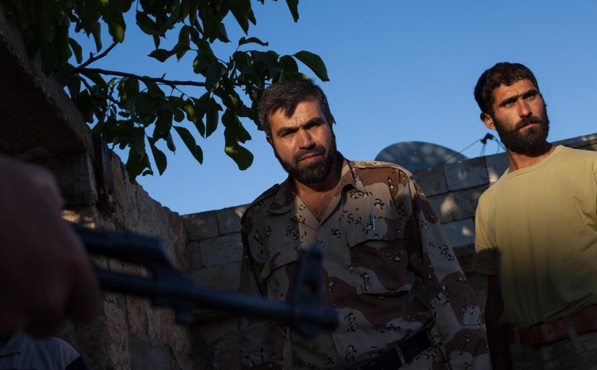 Příslušníci syrských opozičních jednotek