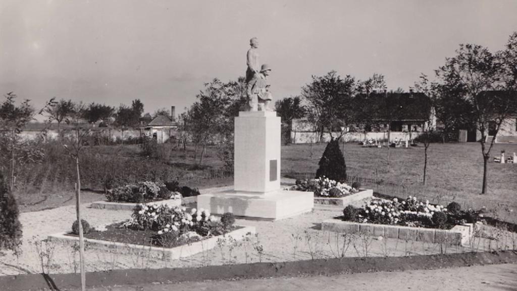 Původní podoba památníku u Nových Zámků