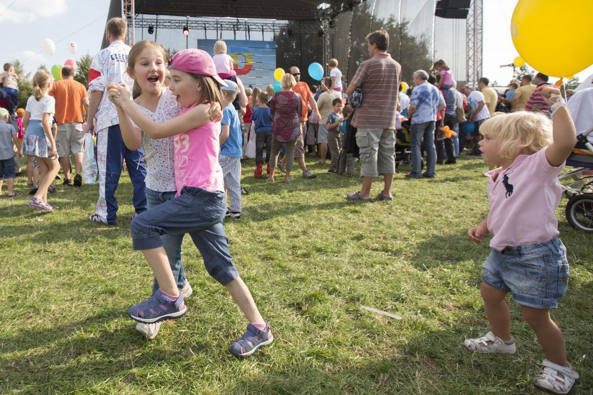 O zábavu na oslavách nového kanálu se postaraly i samy děti