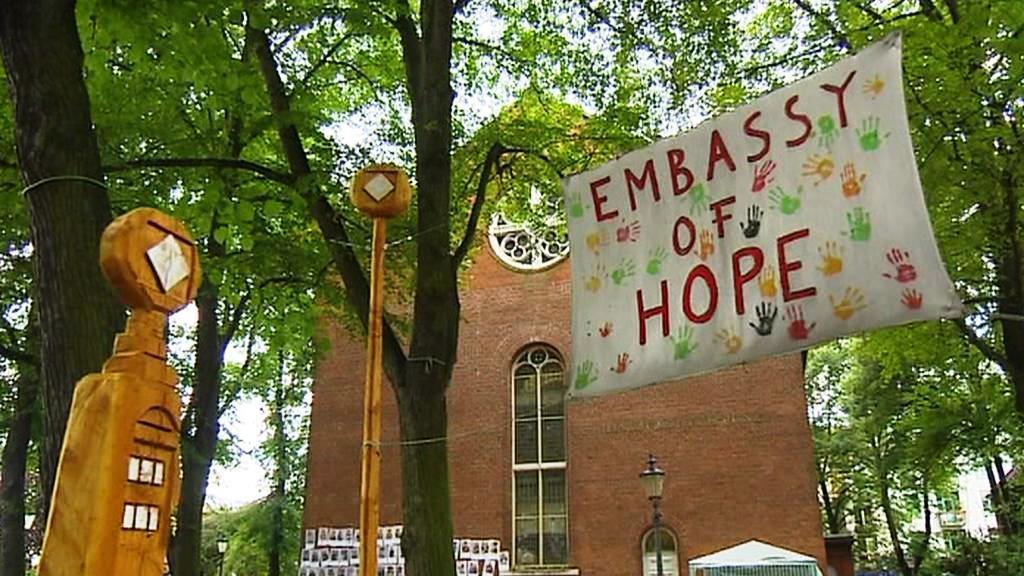 Hamburský kostel poskytl útočiště desítkám uprchlíků