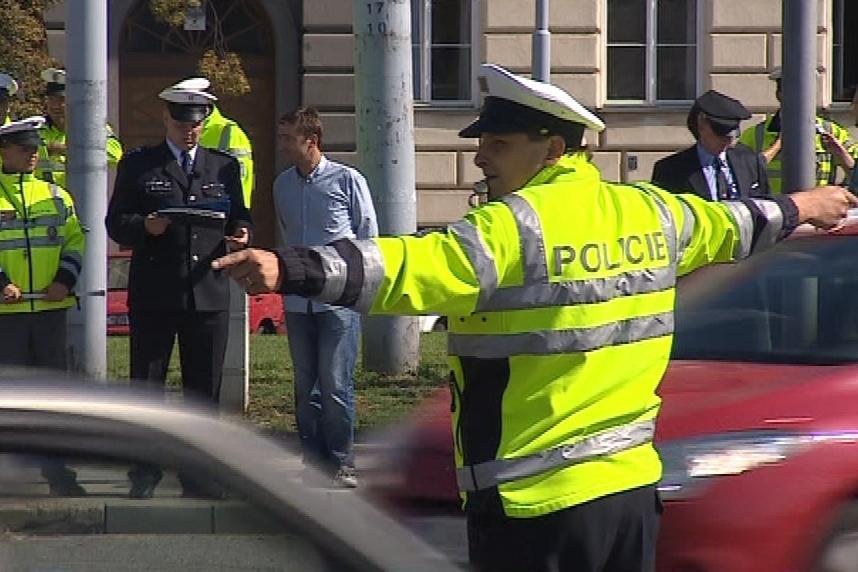 Pokyny policistů řidiči často neznají