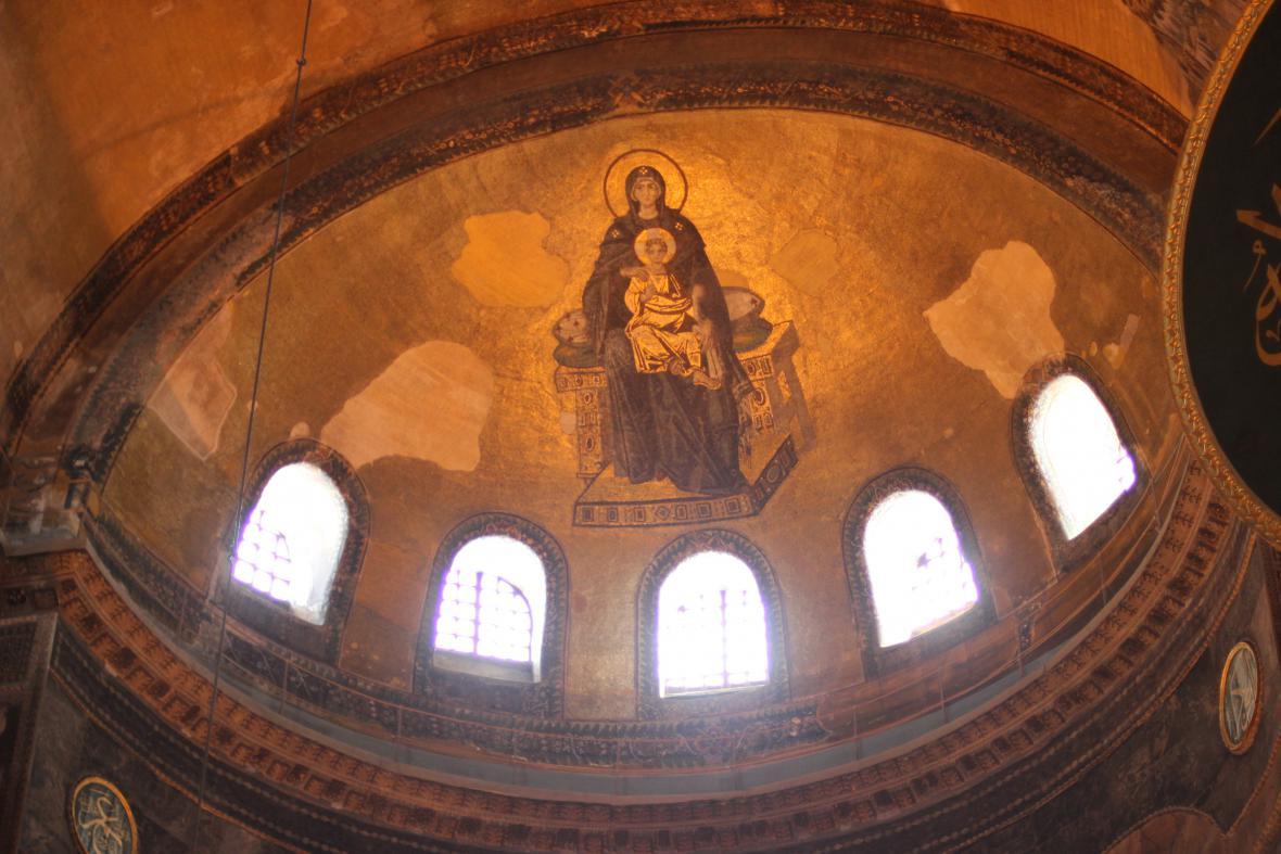 Chrám  Hagia Sofia původně sloužil křesťanům