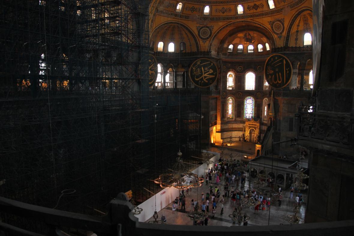 Později se z křesťanského chrámu stala mešita