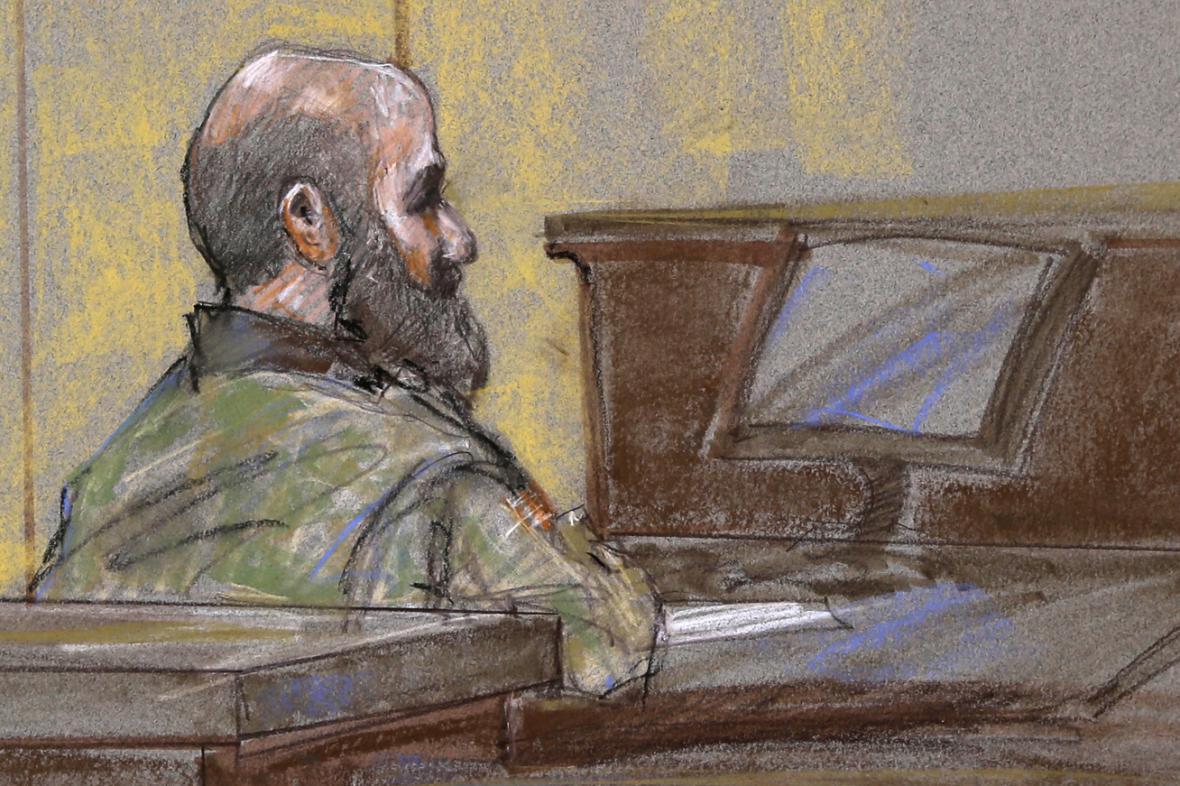Nidal Malik Hasan před soudem