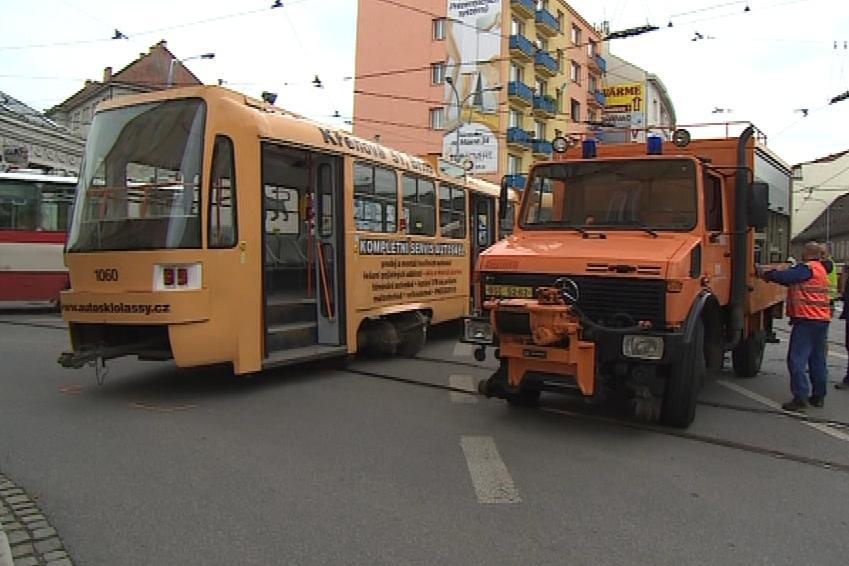 V Brně odpoledne vykolejila tramvaj