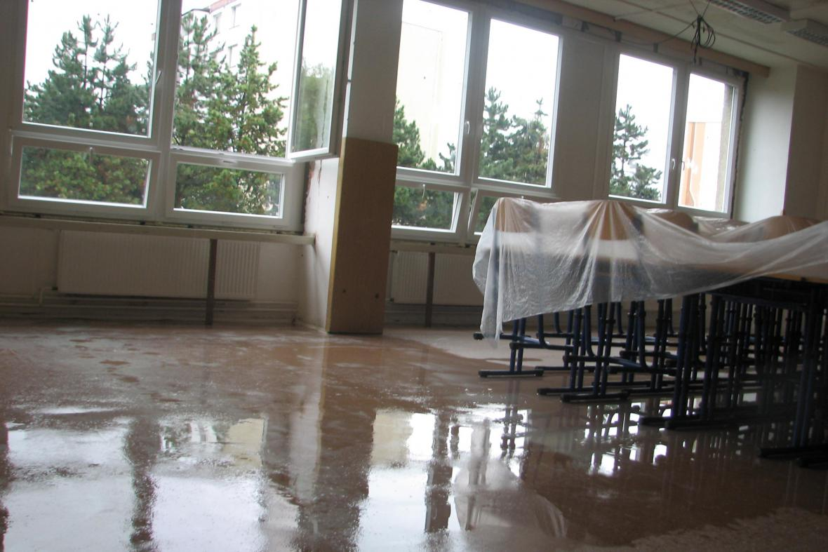 Základní školu Vyhlídka vytopil déšť