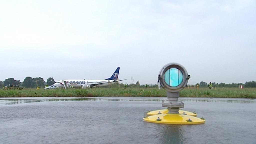 Boeing mimo dráhu