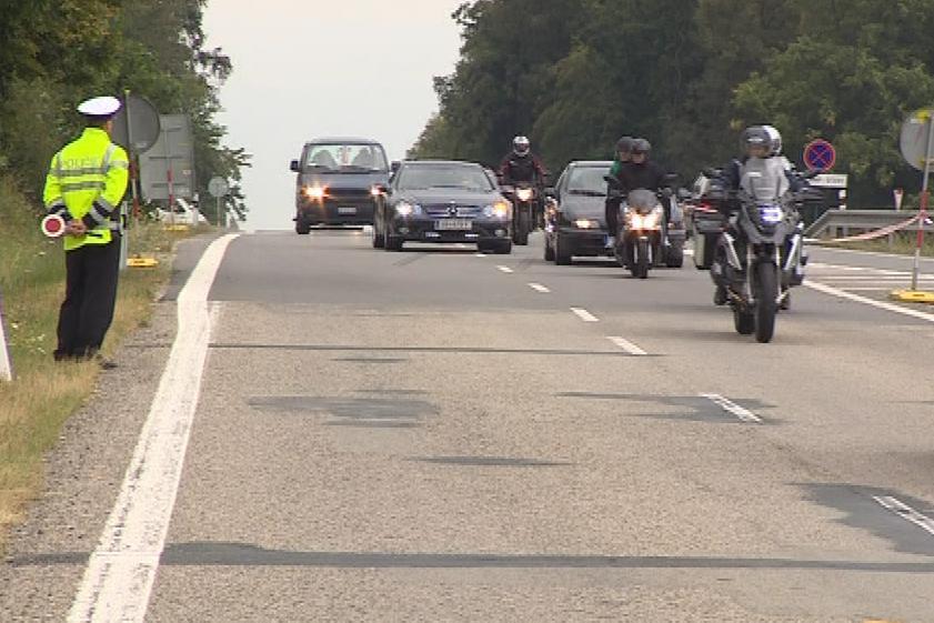 Na dopravu dohlížely stovky policistů