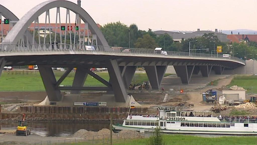 Kontroverzní most v saských Drážďanech
